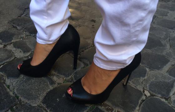 High Heels im Einsatz auf den Sanpietrini