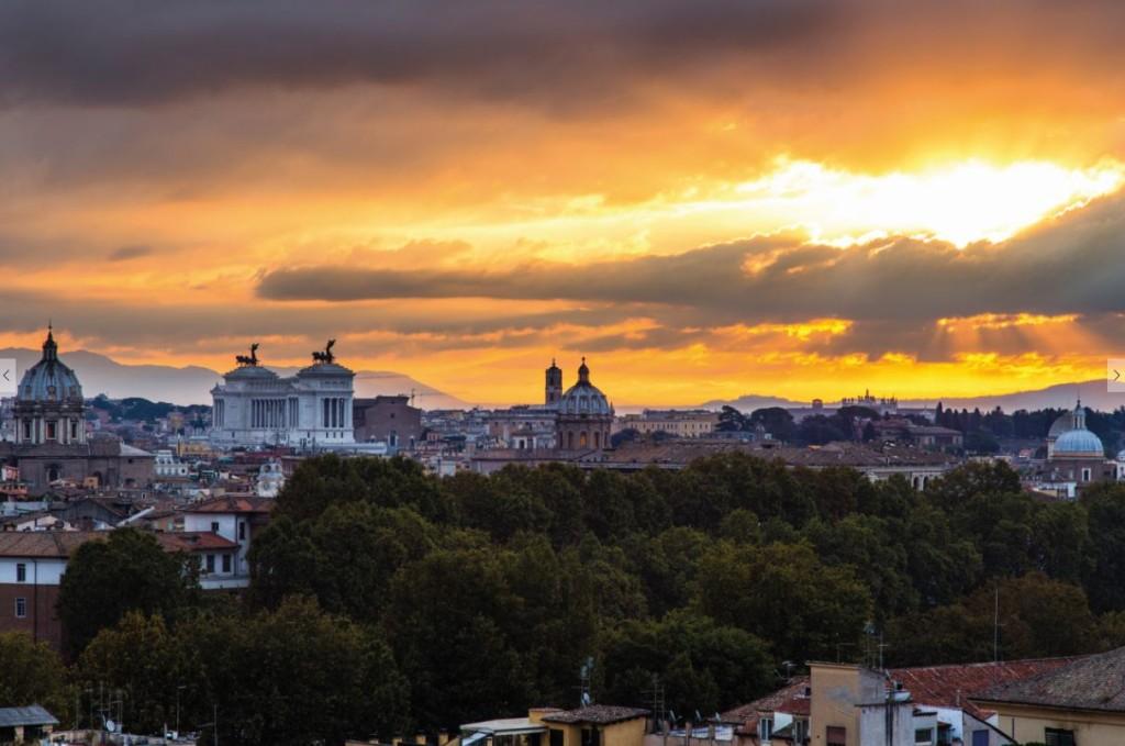 Morgensonne am römischen Himmel