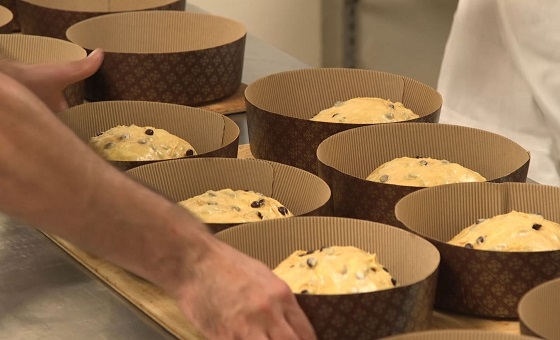 Panettone in Produktion