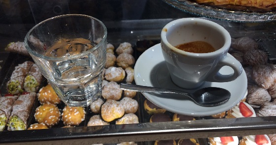 Caffè mit oder ohne Wasser – hier scheiden sich die Geister
