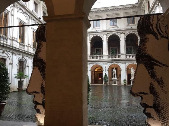 Fornasetti – Innenhof Palazzo Altemps
