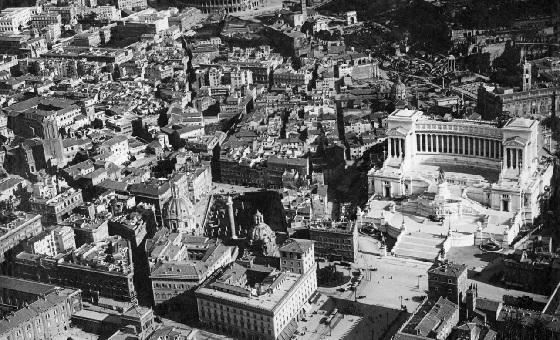 Das Vittoriano, als die Via dei Fori Imperiali noch nicht existierte