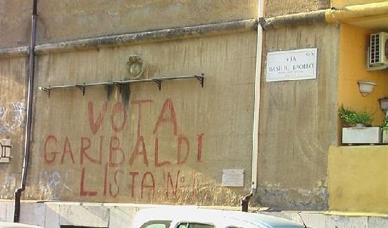 Historisches Graffiti im Garbatella vorher