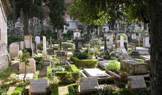 Cimitero Acattolico – Blick auf die Grabfelder