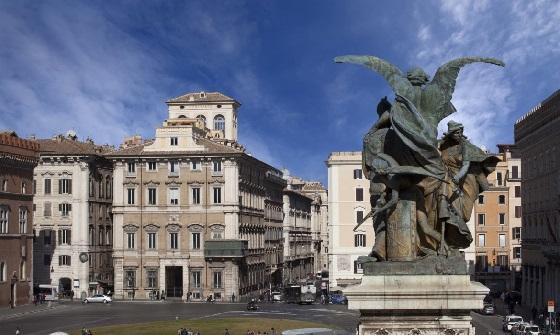Palazzo Bonaparte - nicht zu übersehen ist die grüne kleine Veranda