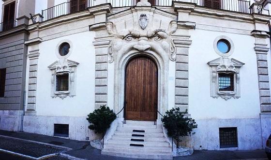 Palazzo Zuccari – uns seine berühmte Pforte